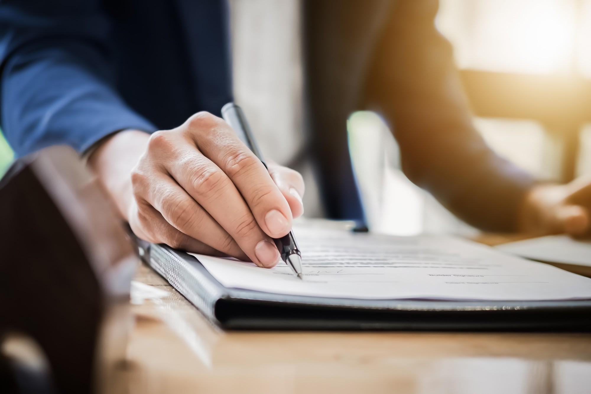 Você sabe qual a diferença entre escritura e registro? Confira!